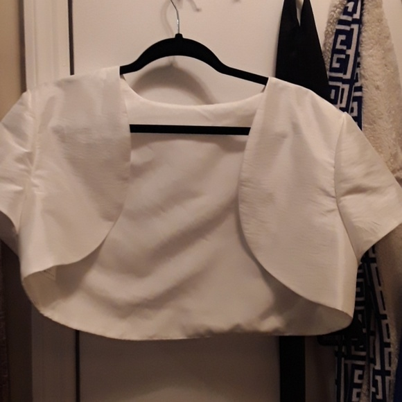 Dresses & Skirts - Ivory bolero shrug